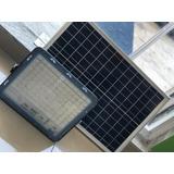 Reflector Led Con Panel Solar 200w