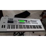 Piano Yamaha Motif Mo6