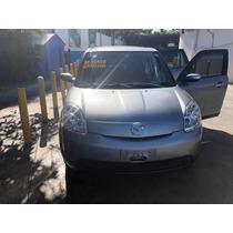 Mazda Verisa 2012