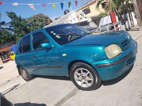 Nissan March 2000*  Precio 138,500 Inicial 45,000 Llámenos